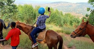 Kigali Old Town Tour & Horseback Riding